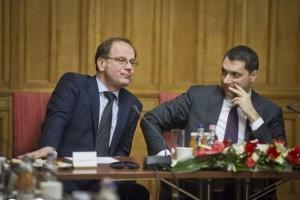 """Zwei """"alte Kämpfer"""" der Fidesz: Außenminister Tibor Nacracsics und Kanzleramtsminister János Lázár."""