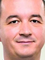 """""""Bagoly mondja verébnek"""", die Eule sagt zum Spatz: Was hast du für einen großen Kopf - Jobbik-Mann István Apáti aus Ungarns fernem Osten"""