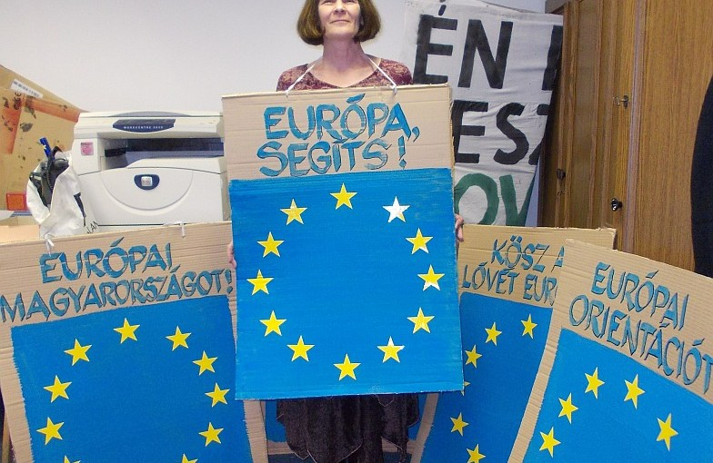 Felhívás: Hozz magaddal Európa-zászlót!
