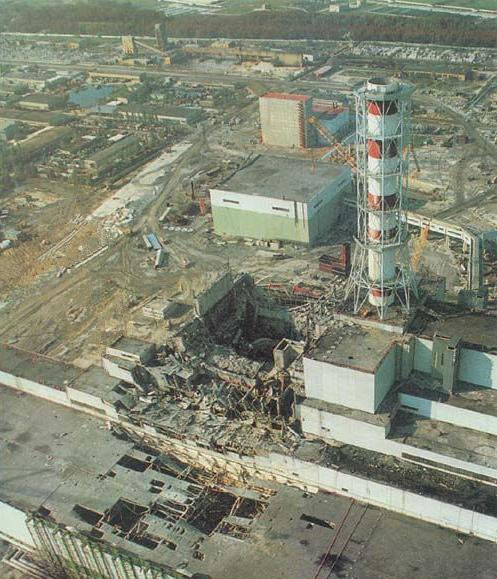 Destroyed_reactor_1986.jpg