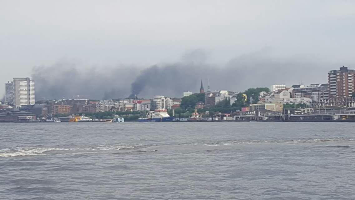 Burning Hamburg. Die linke Kristallnacht und die Verdienste der Grünen daran
