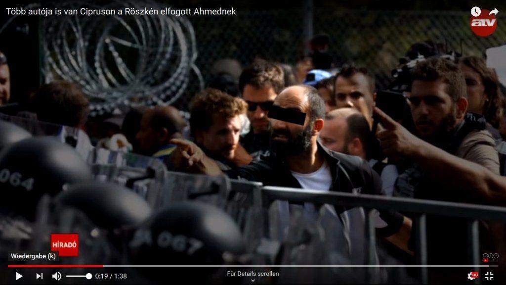 Ahmed H. belehrt und bedroht und die ungarische Bereitschaftspolizei