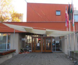 Miroslav-Krzla-Schulzentrum-Eingang_mit_Eingang_gesamt_1024_9769
